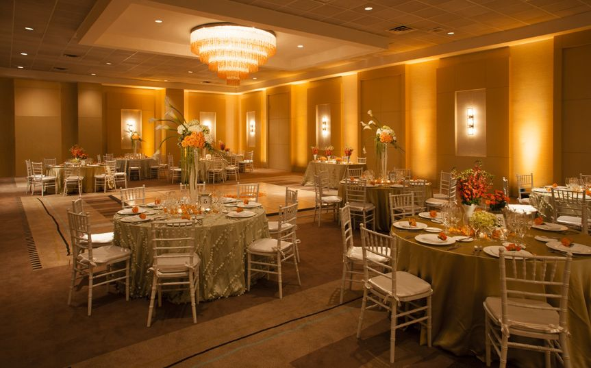 800x800 1382121573895 grand ballroom   weddings full view