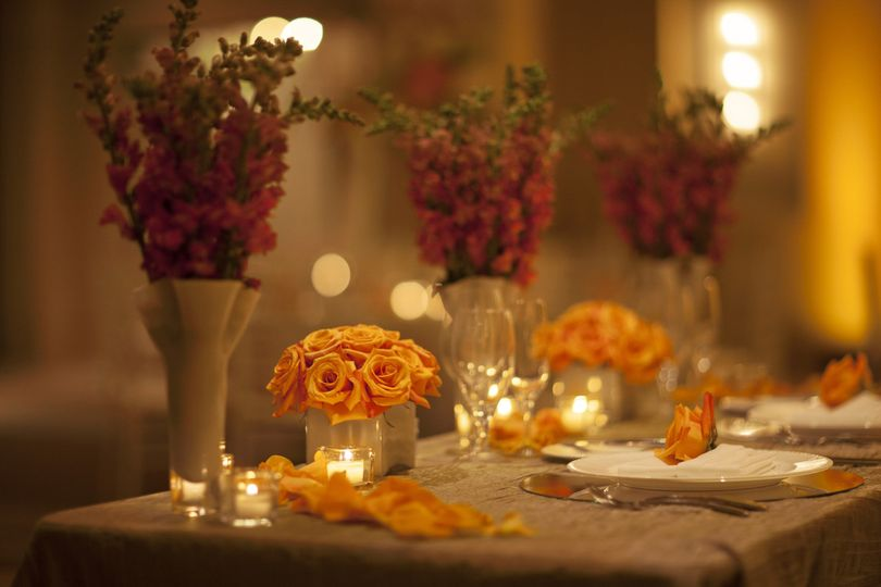 800x800 1382121621931 grand ballroom   wedding table detail