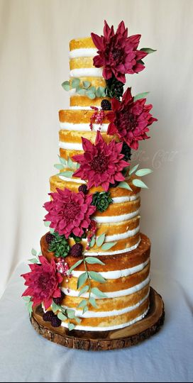 ec22aad5ee5a48f7 naked cake with sugar florals