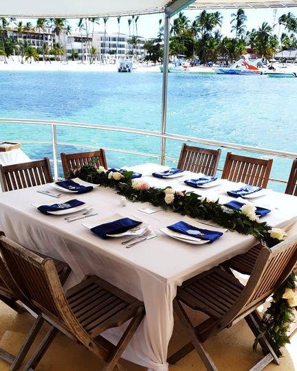 Boat wedding table setup