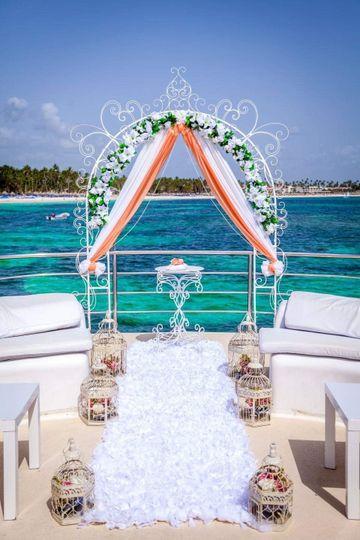 Private boat venue Ceremony