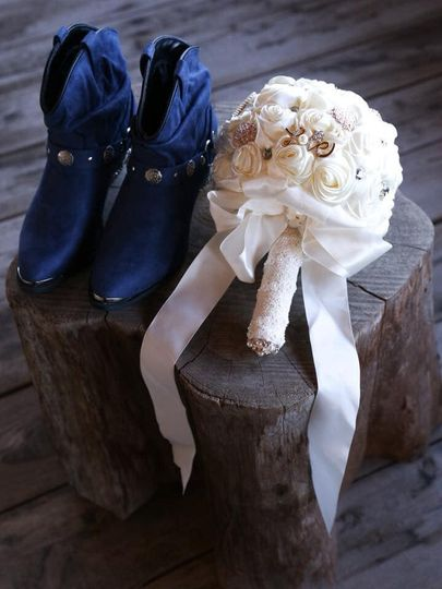 Wedding details (Photography By Barry Polk)