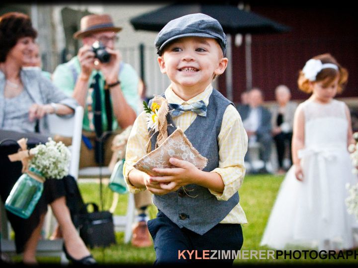 Tmx 1517162250 03e1b795553f684f 1517162249 791cc18701c1e0b9 1517162223735 59 10511589 10152369 Pottstown wedding photography