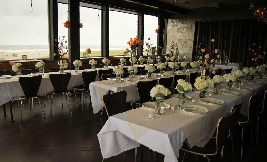 Long table setting