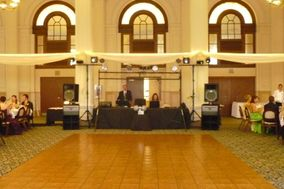 Movin' & Groovin' DJ Services