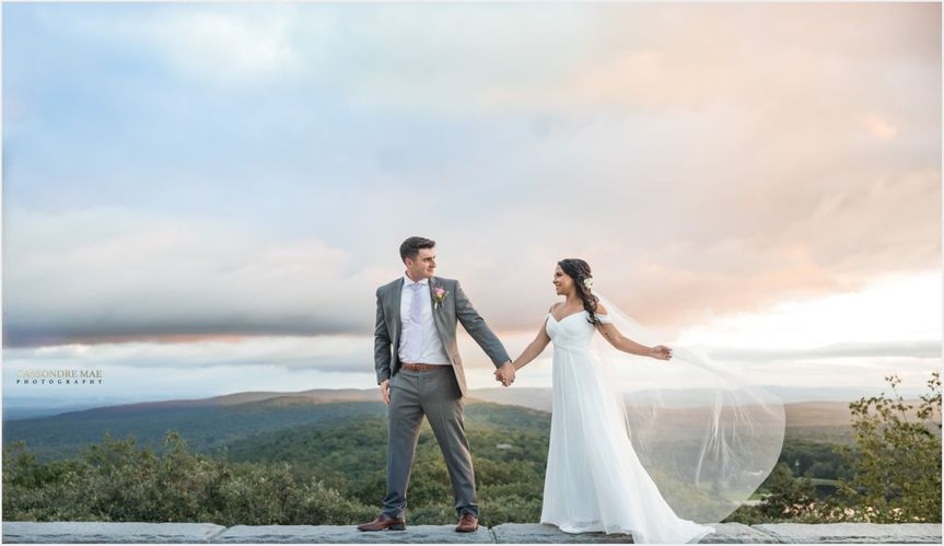 Cassondre Mae Photography Hudson Valley Wedding Dreamy Wedding Photographer Mountain Weddings