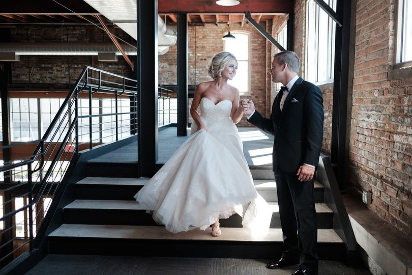 cf90be050bb97401 2018 BAP KatieGrant Prairie Street Brewhouse Wedding 9