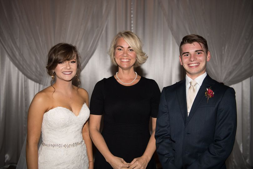 Amy S Wallace - Professional Wedding Officiant