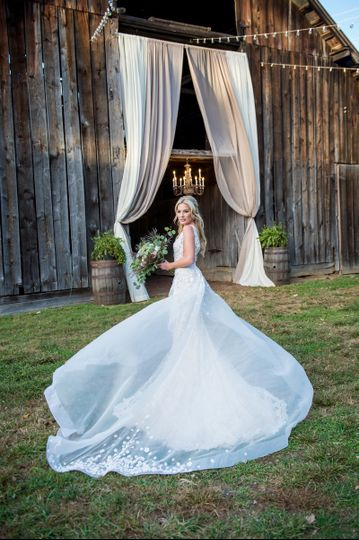 Glitz Nashville Dress Attire Nashville Tn Weddingwire