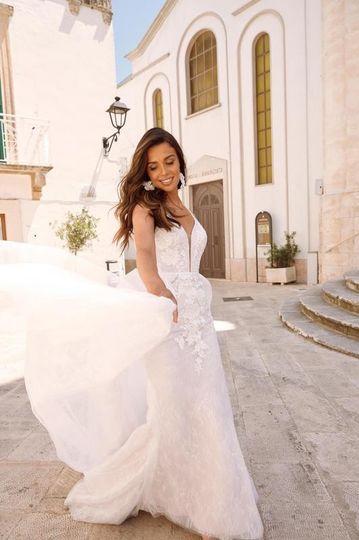 matisse ml10462 shoe string straps plunging neck floral lace with detachable skirt wedding dress madi lane bridal1 533x800 51 37255 157584600786744