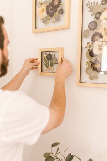 Hanging a boutonniere frame