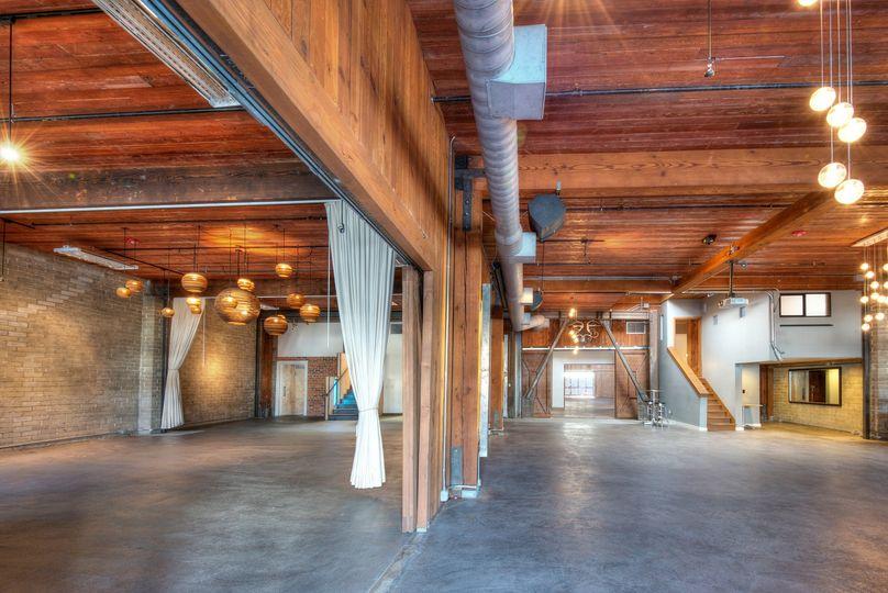 Ballroom & Lounge
