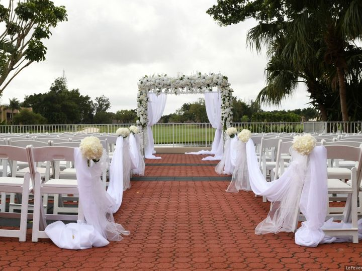 Tmx Courtyard Ceremony 51 751355 157694185294222 Lake Worth, FL wedding venue