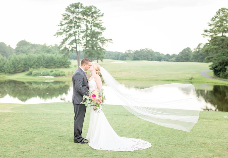 Couple in the open field | Brynn Daurity Photography