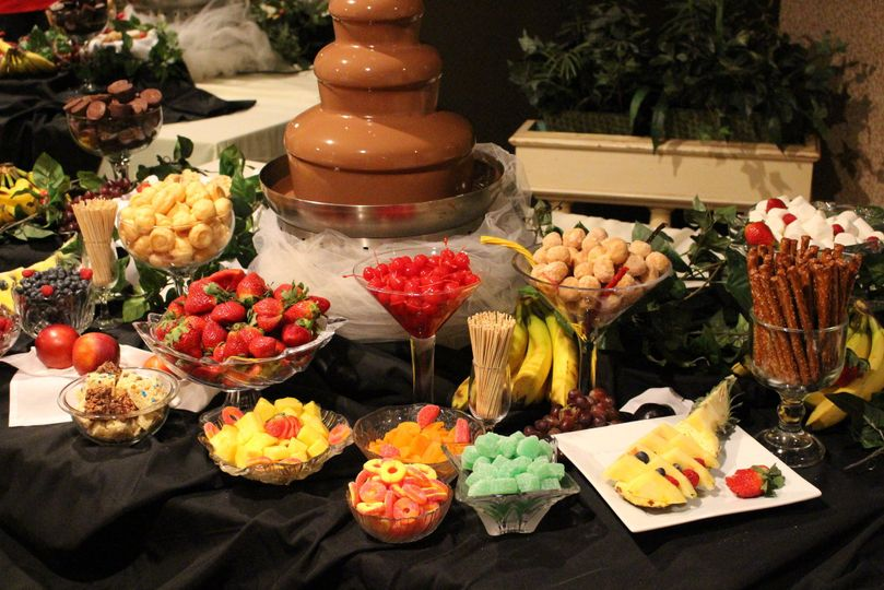 Fruits and chocolate fountain