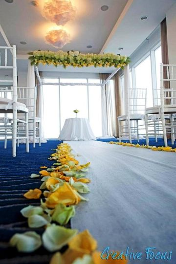 Vibrant wedding structure featuing yellow and green accents.