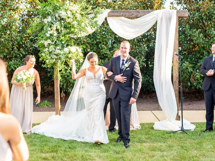 Tmx Danielleandmatt 400 51 23355 157480660145773 Rockville, MD wedding florist