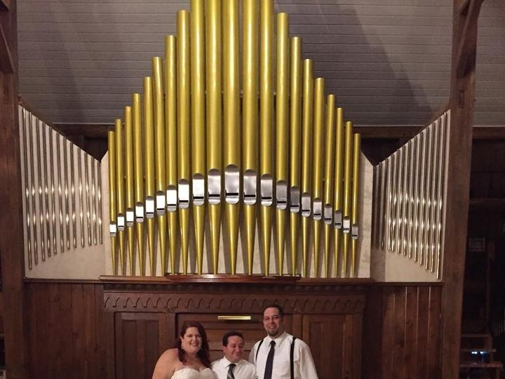 Tmx Img 3675 51 1526355 158985815374738 Glens Falls, NY wedding dj