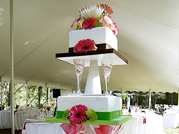 Tmx 1340816609746 Martiniwedding3 Hopedale wedding cake