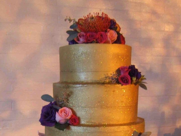 Tmx 1456183166345 Wedding Gold 03 A Hopedale wedding cake
