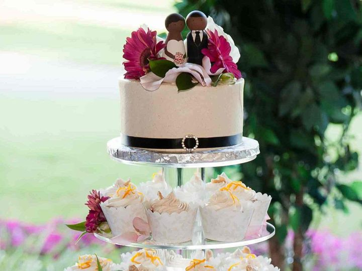 Tmx 1456183248954 Joyceandjonathanweddingcupcaketower 0001a Hopedale wedding cake