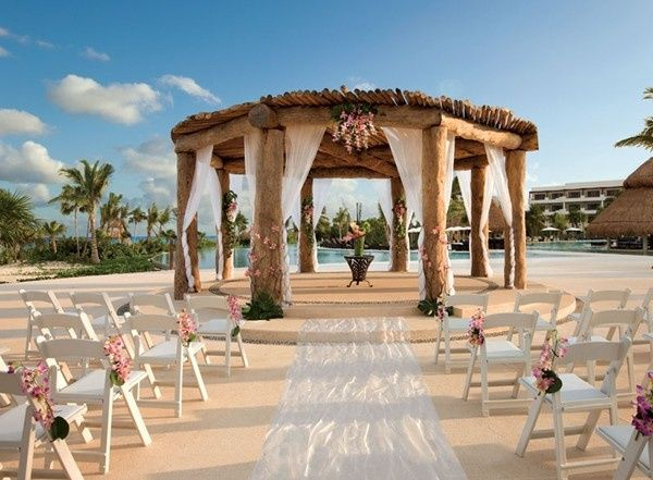 Resort wedding setup