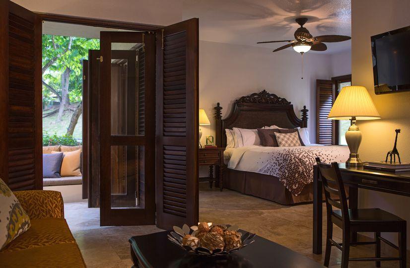 guestroomkingislandview9501
