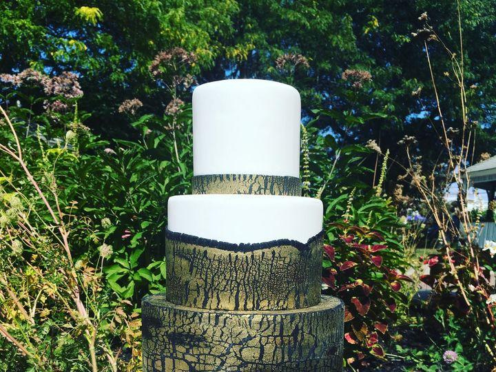 Tmx Crackle 51 82455 V2 Jenkintown, Pennsylvania wedding cake