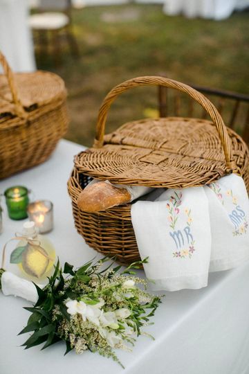 Picnic Baskets Wedding Edition