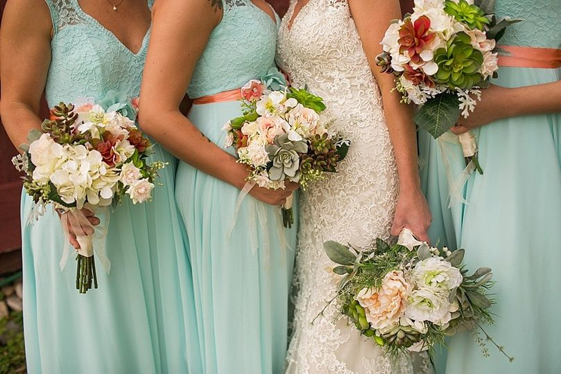 aimme monka and tom call bridesmaids bouquets