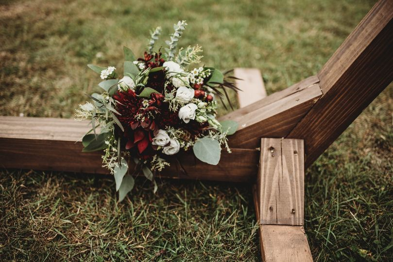 Bouquet-burgandy