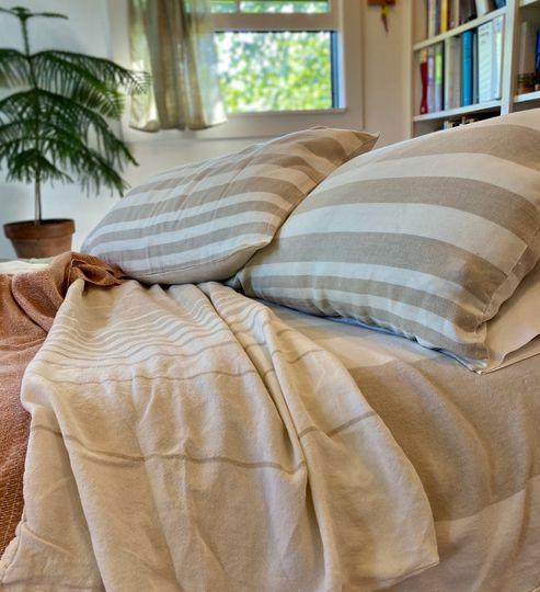 Linen Sheets/Blankets