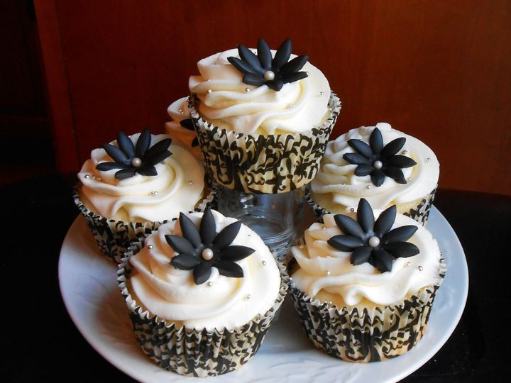 Tmx 1430019917802 Black And White Cupcakes North Weymouth, MA wedding cake