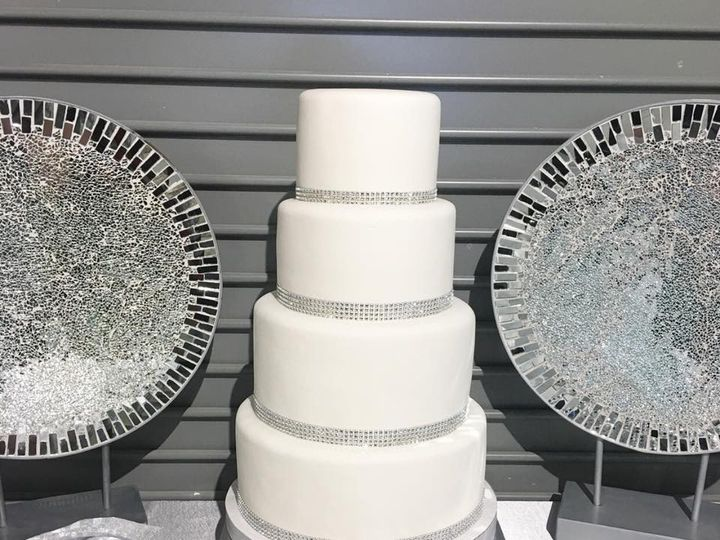 Tmx 44122113 951908071684203 8107410499651502080 N 51 951555 157851270245089 High Point wedding cake