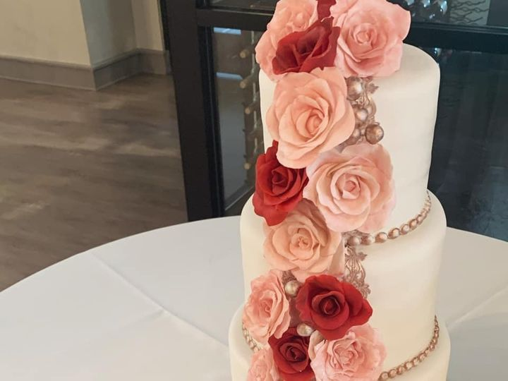 Tmx 75453566 1212557248952616 4977395173647450112 N 51 951555 157851270452309 High Point wedding cake