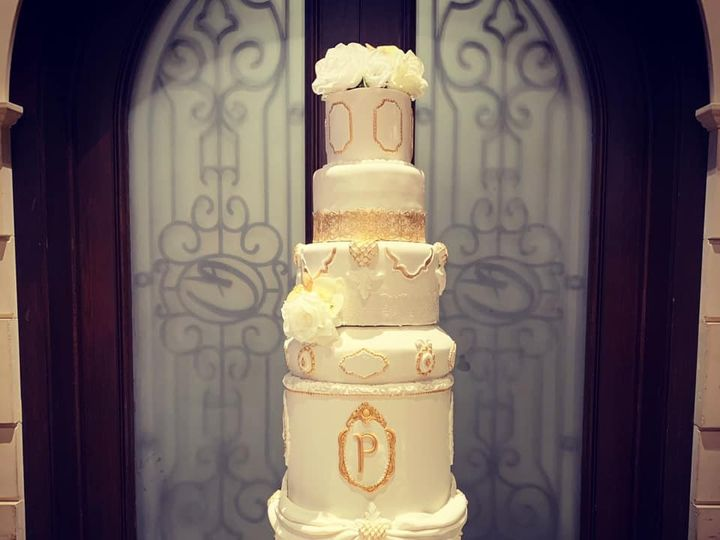 Tmx 81365985 1272497399625267 898039260291006464 N 51 951555 157851262319301 High Point wedding cake