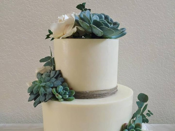 Tmx 1488223628098 1491563112552758778638294071816458125902996n Canyon Country wedding cake