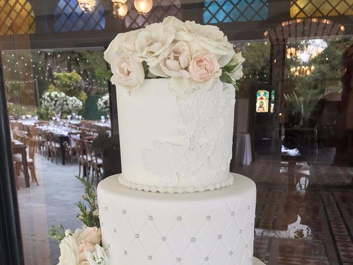 Tmx 60848666 2364650510259688 341990945652211712 N 1 51 914555 1564460581 Canyon Country wedding cake