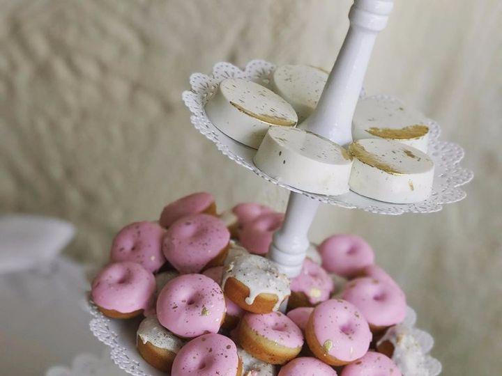 Tmx 62123637 2392212140836858 8445254955027136512 N 51 914555 1564460715 Canyon Country wedding cake