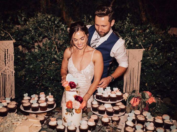 Tmx 69002367 2522516951139709 4966767371562778624 N 51 914555 1566604556 Canyon Country wedding cake