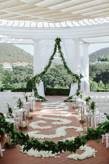 The wedding isle