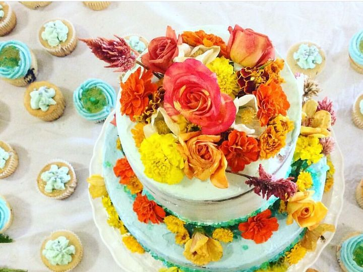 Tmx 1525225364 557765d1c43f0d8f 1525225363 05f5f2d9ca272f2f 1525225350642 4 Screenshot 2018050 Los Angeles, CA wedding cake