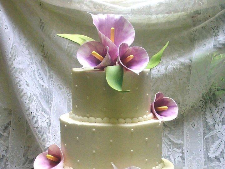 Tmx 1530136560 61a31b37488112ec 1530136559 6a2a34a3c199dabf 1530136560469 3  15 Good CallaLav  Horsham wedding cake