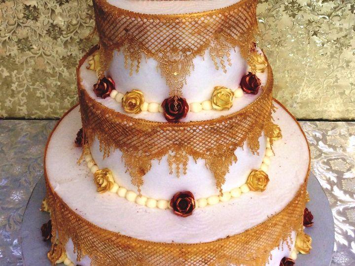 Tmx 1530136667 162c0b572299f1a3 1530136665 Bedb29c356a96c99 1530136665921 11 Used Gold Sugar V Horsham wedding cake