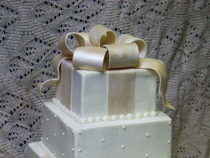 Tmx 1530136699 702f33299b6862da 1530136697 Ca15370aa7737a48 1530136698056 14  13 GiftOfLove Go Horsham wedding cake