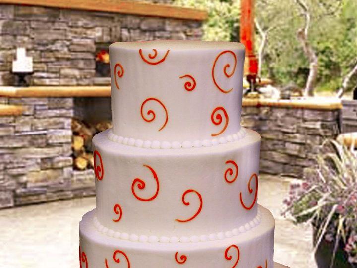Tmx 1530136728 10cad73e048c9f9b 1530136727 134edf306c1d61c5 1530136727594 18  6 Good Whirley G Horsham wedding cake