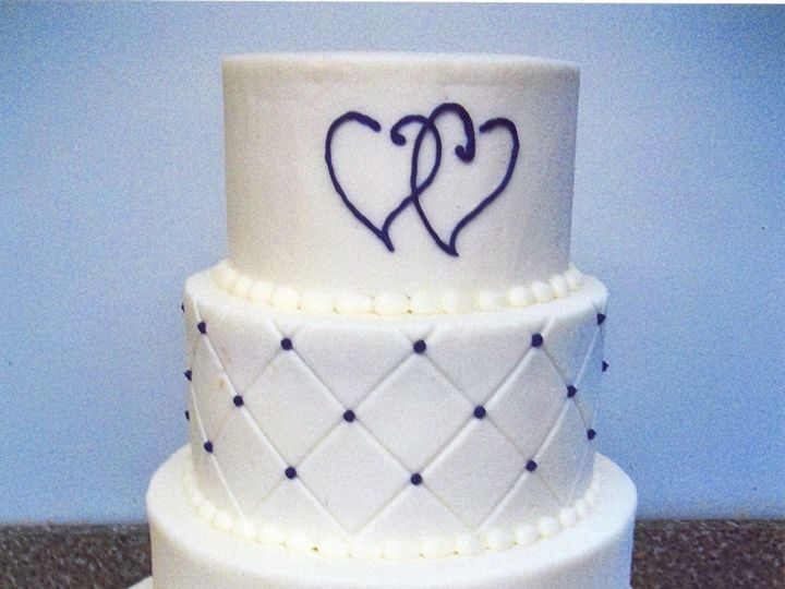 Tmx 1530136764 56cd17a6ac2a19f9 1530136763 3cbd499cbecd2f23 1530136764117 21 Good Interlocking Horsham wedding cake