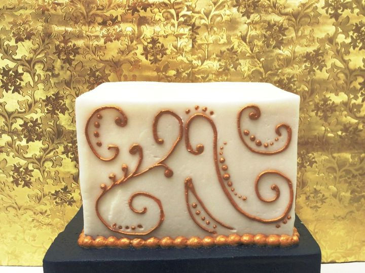 Tmx 1530136826 62004df58bf94f62 1530136825 5dc2063a6264b08a 1530136825571 24 Matalic Gold Scro Horsham wedding cake