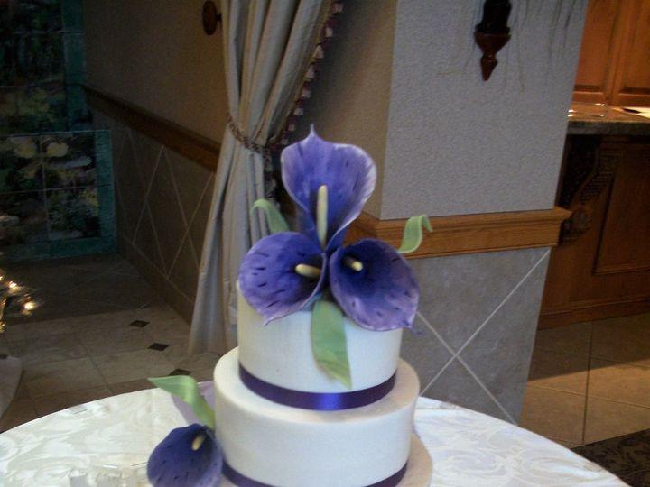 Tmx 1530136992 277ab9f4c73d96b9 1530136990 0badd8f51387cb09 1530136990608 34 Purple Calla Horsham wedding cake