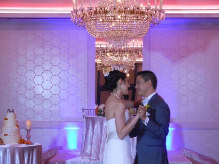 34ccdda2e0bcdd2f 1454629231529 wedding uplights
